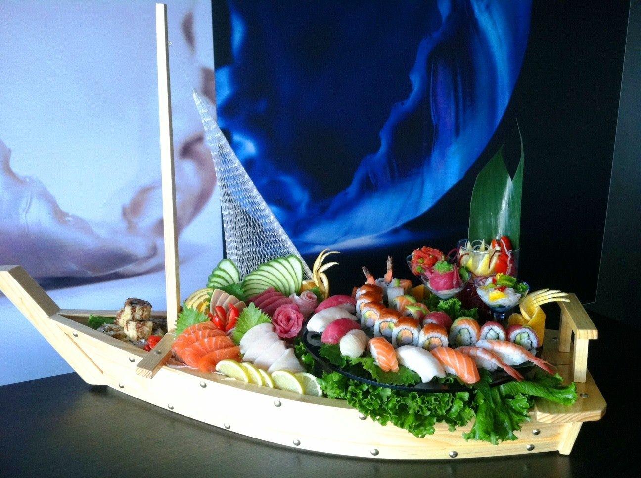 SAIA Sushi Boat