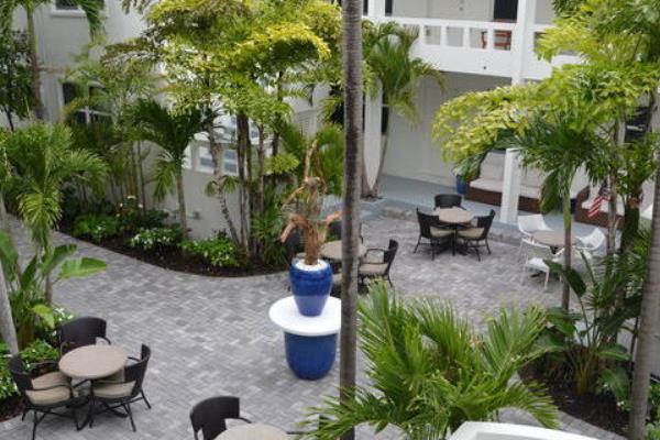 Drift-Hotel-courtyard-from-2nd-floor_1e46fe5a-5056-b3a8-4919d7468dcc689f