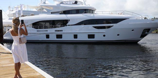 flibs super yacht