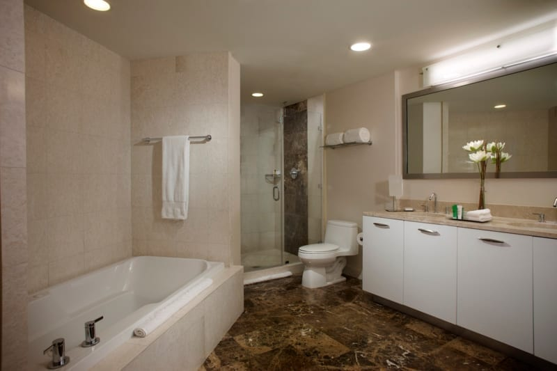Hilton Ft Lauderdale Beach 1 Bedroom Suite OV Bathroom