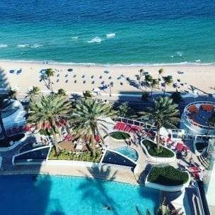 hilton fort lauderdale pool