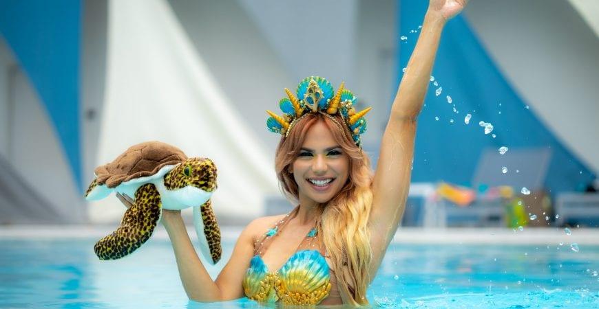 Mermaid elle at b ocean