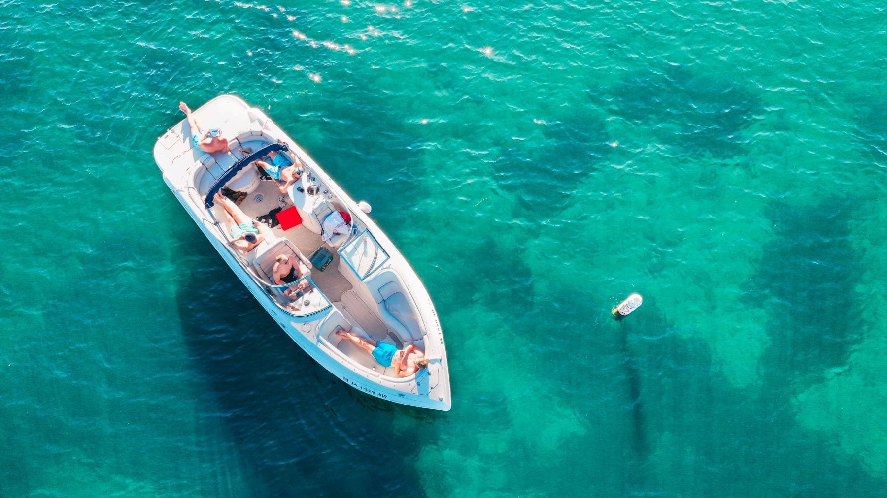 5 Reasons to Rent A Boat this Summer