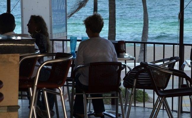 slide_deckrestaurant2