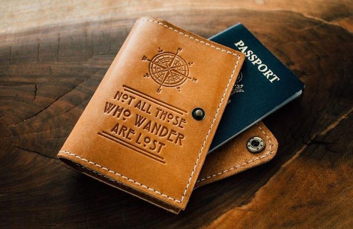 wanderlust-traveler-gift-ideas-22-582c628261d3d__700
